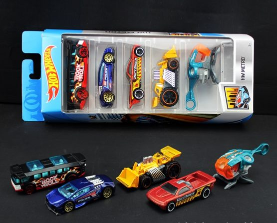 HotWheels Car 3 inch Random Model 5pcs Pack Color and Style May Vary