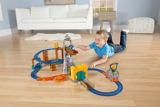 Thomas & Friends Motorized Railway Steelworks Escape Set