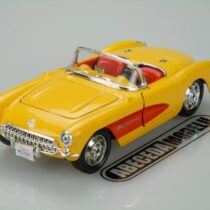 Maisto 1957 Chevy Corvette Convertible – Color May Vary